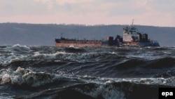 Стихия погубила 5 судов по обе стороны Керченского пролива