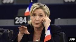 Кандидат в президенты Франции, лидер ультраправых Марин Ле Пен.