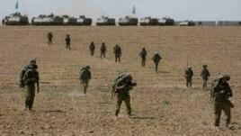 Газа секторында жүрген Израиль солдаттары. 12 шілде 2014 жыл.