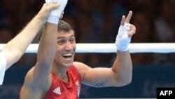 Ще в серпні 2012 року в Лондоні Василь Ломаченко радів другій перемозі на Олімпійських іграх