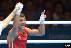 Ломаченко радіє перемозі на Іграх у Лондоні - 2012