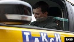 Russia -- Moscow yellow taxi, 11Oct2012