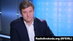 27 вересня Офіс президента повідомив, що Олександр Данилюк написав заяву про відставку з посади секретаря РНБО