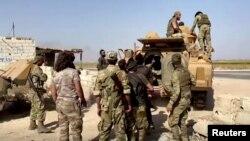 Кюрдските части се оттеглят от позициите си в граничния град Тел Абяд на границата с Турция