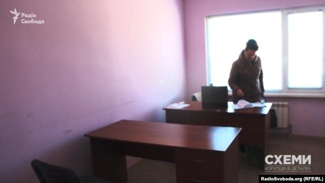 """Офіс """"Арготрейд Лтд"""" вмістився у маленькій напівпорожній кімнатці"""