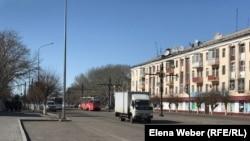 Одна из улиц Темиртау в Карагандинской области во время карантина, введенного в марте 2020 года. Иллюстративное фото.