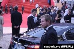 У фільме Уладзімір Сьвірскі сыграў беларуса Сушчэню.