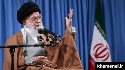 آیتالله خامنهای در دیدار با گروهی از اعضای سپاه پاسداران در روز سهشنبه ۲۰ فروردین