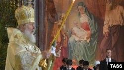 Патриарх Кирилл на рождественской службе в храме Христа Спасителя, Москва, 7 января 2016
