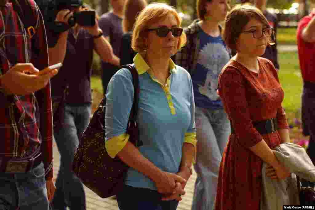 Украинскую символику некоторым активистам заменила одежда
