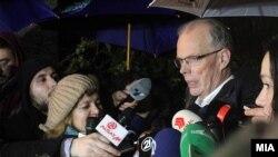Европскиот посредник во преговорите за медиумите Питер Ванхауте