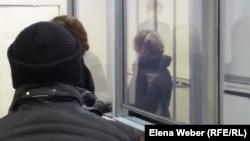 Яна Есакова, жительница Темиртау, осужденная по обвинению в мошенничестве в особо крупном размере. Темиртау, 23 ноября 2015 года.