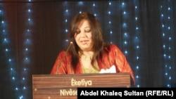 الشاعرة بري سليم احدى المشاركات في ملتقى نوروز الشعري