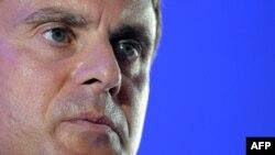 Для главы МВД Франции Мануэля Валльса рост числа французских джихадистов - причина головной боли