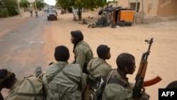 Уличная сцена в Тимбукту - столице Мали