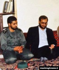 حسین مرعشی در کنار قاسم سلیمانی در اوائل دهه ۷۰ شمسی