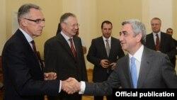 Armenia - President Serzh Sarkisian (R) meets with Yerevan-based ambassadors of EU member states, Yerevan, 11Sep2013.