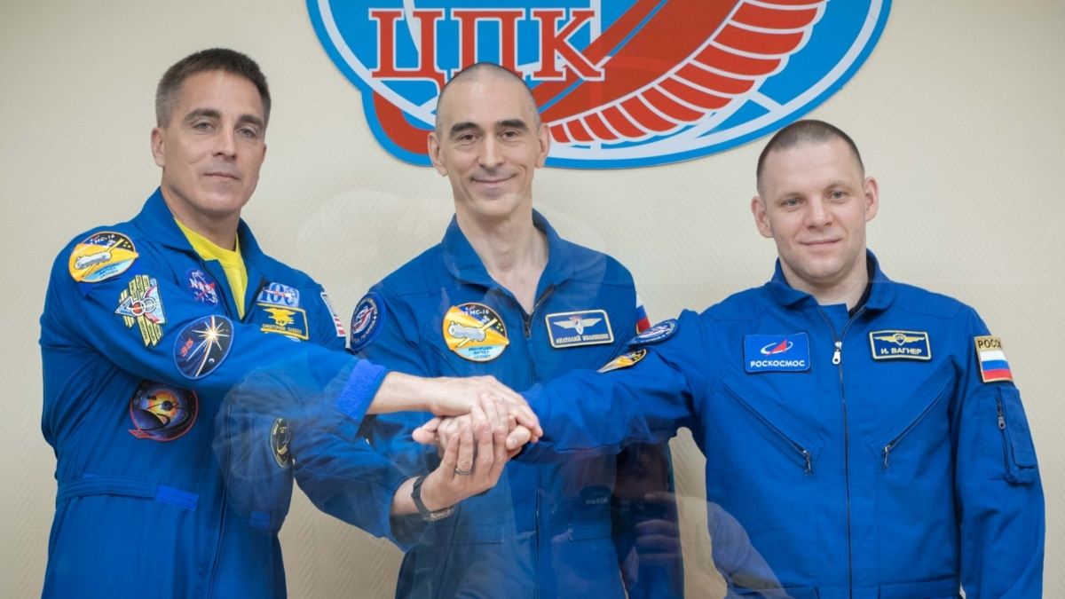 Russian-U.S. Crew To Blast Off For International Space Station - Radio Free Europe/ Radio Liberty