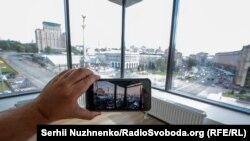 Приміщення, звідки у грудні 2014 року сенатор Джон Маккейн робив фото Євромайдану