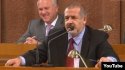 Рифат Чубаров Кырым парламентында чыгыш ясый. 26 сентябрь 2012