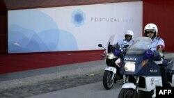 Pavilhao Atlantico, где пройдет саммит, под охраной португальской полиции