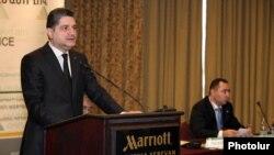Վարչապետ Տիգրան Սարգսյանը ելույթ է ունենում Առաջին կենսաթոշակային տարեկան համաժողովում: