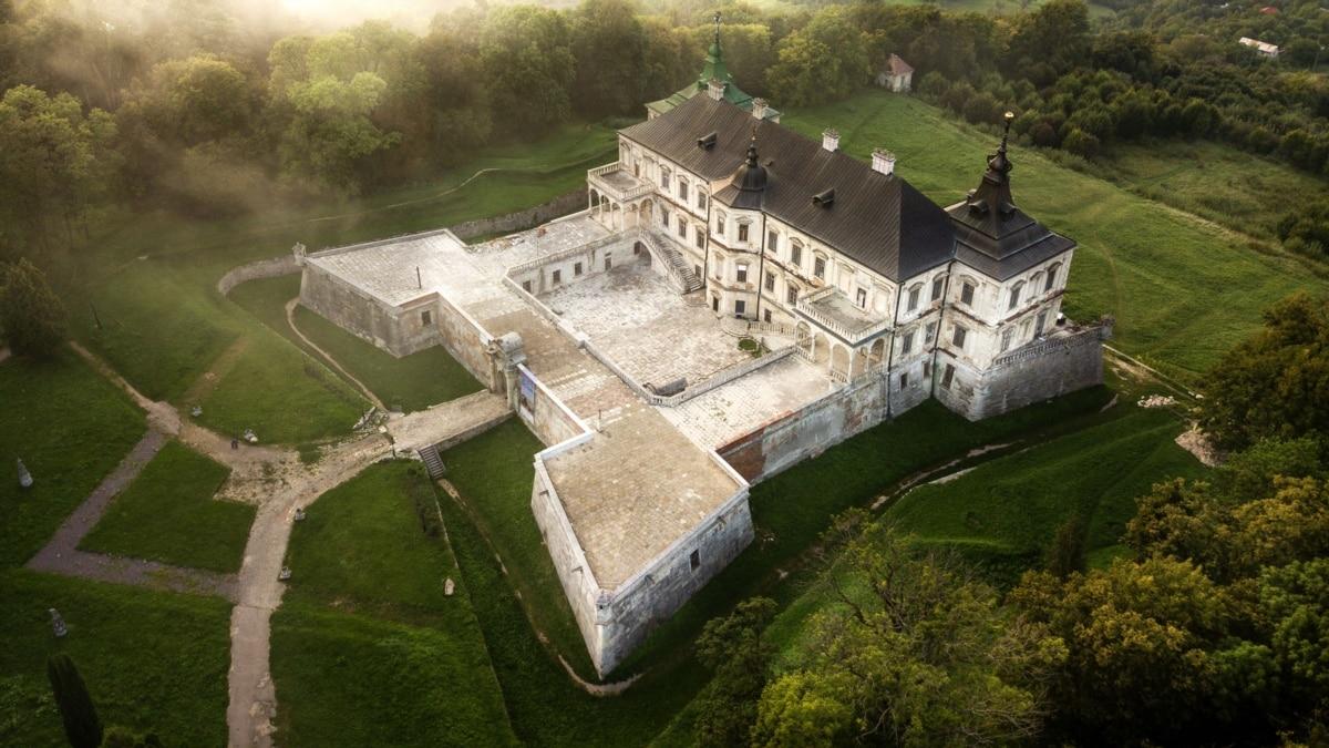 Куда поехать осенью замки и крепости Украины