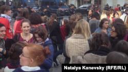 Акиця протеста школьников в Париже, 17 октября 2013 года.