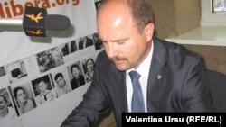Valeriu Lazăr la microfonul Europei Libere în 2010