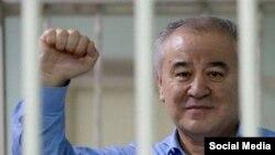 Политический путь Омурбека Текебаева