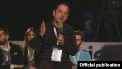 Бесијан Пеша, граѓански активист од Албанија