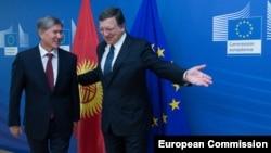 Президент КР Алмазбек Атамбаев и председатель Еврокомиссии Хосе Мануэль Баррозу. 17 сентября 2013 года.