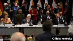 Президент Армении Серж Саргсян принимает участие в саммите «Восточного партнерства» в Вильнюсе, 29 ноября 2013 г.