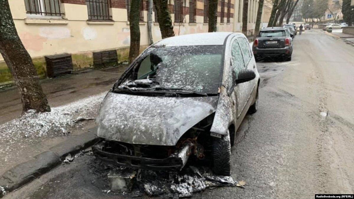 Основная версия поджога авто журналистки Радио Свобода во Львове: ее профессиональная деятельность – следствие