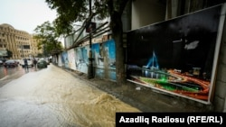 Bakı intensiv yağışlardan sonra