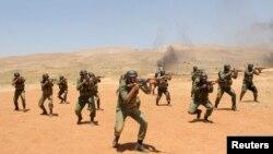 ایالات متحده و همپیمانان غربی آن ایران را به ارسال اسلحه به سوریه و حمایت نظامی از حکومت بشار اسد متهم میکنند