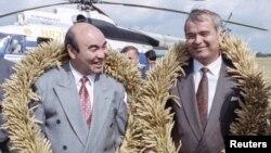 Кыргызстандын мурдагы президенти Аскар Акаев жана Ислам Каримов. 27-август 1993-жыл