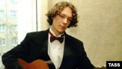 Дмитрий Илларионов на фестивале «Виртуозы гитары» исполнит транскрипции песен группы «Битлз» для гитары с оркестром