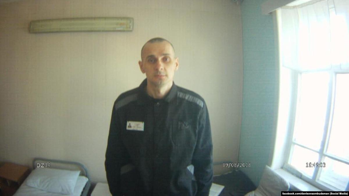 Адвокат рассказал новые подробности о состоянии Сенцова: «он очень бледный»