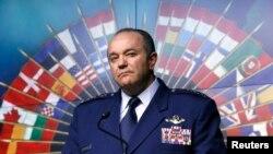Командувач сил НАТО в Європі, генерал Філіп Брідлав