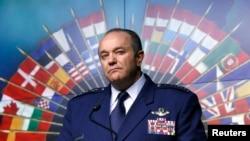 Генерал Філіп Брідлав, головнокомандуючий сил НАТО у Європі