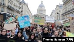 Protesta e nxënësve në Paris. 15 mars 2019.