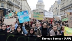 Демонстрация против загрязнения окружающий среды, Париж, 15 марта 2019