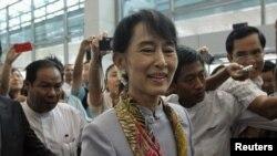 Аун Сан Су Чжи вирушає до Європи, 13 червня 2012 року
