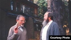 Никита Струве и Александр Солженицын в Кавендише, 1989 год