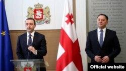 Уже второй раз в течение этого года премьер-министру Грузии Ираклию Гарибашвили приходится представлять кандидатуру Вахтанга Гомелаури на руководящую должность