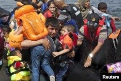 بنا بر این گزارش موج پناهجویان که بخش قابل توجهی از آنها را شهروندان آواره سوری در بر میگیرند، بر لزوم تغییرات راهبردی در مورد بحران سوریه تاثیر گذاشته است