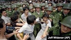 Mii de protestatari au fost răniți și uciși în noaptea dintre 3 și 4 iunie.