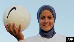 Австралийская футболистка египетского происхождения Ассмаа Хелаль на тренировке в Сиднее. Иллюстративное фото.