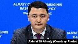 Камалжан Надыров в бытность вице-министром здравоохранения Казахстана.